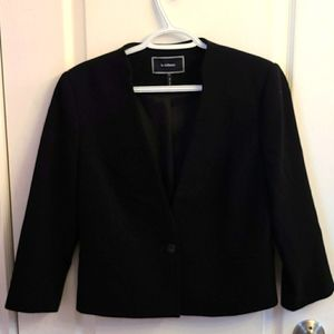 Le Chateau Short Black Blazer